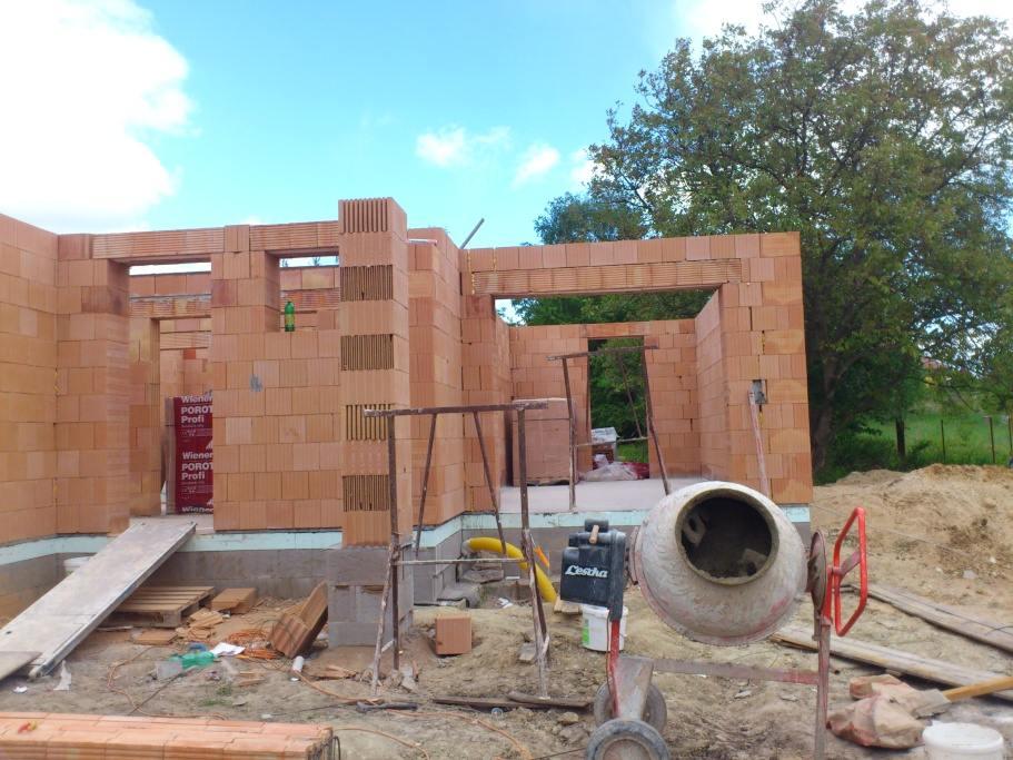 stavby a rekonstrukce (24)