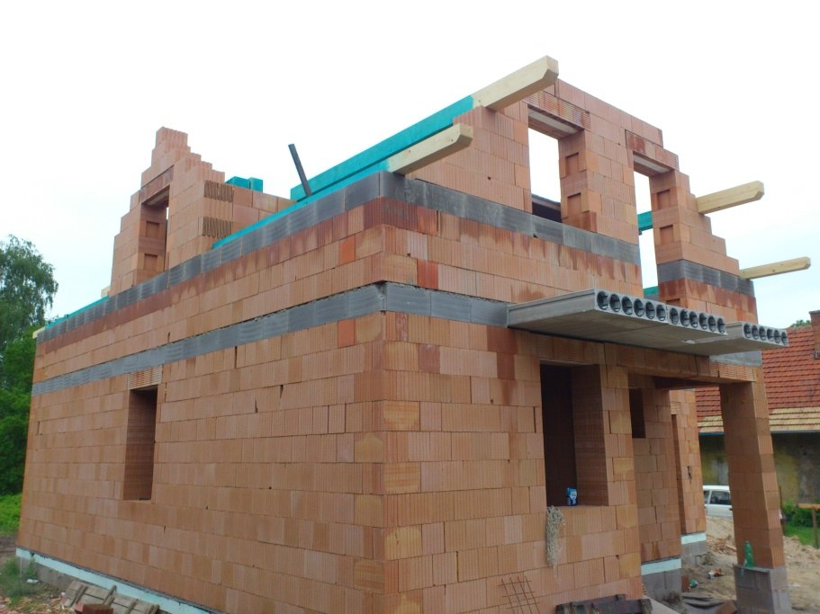stavby a rekonstrukce (26)